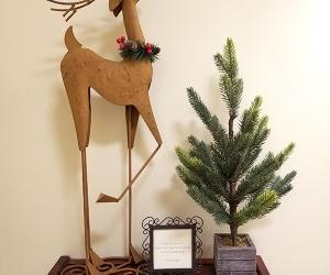 Reindeer with mini tree